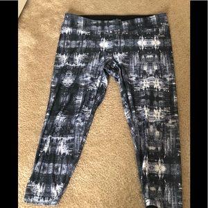 Spalding Pants - Spalding capri workout leggings